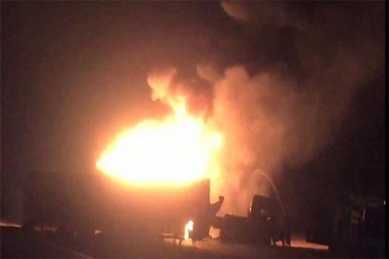 Naushahro Feroze: 3 killed in oil tanker, trailer collision