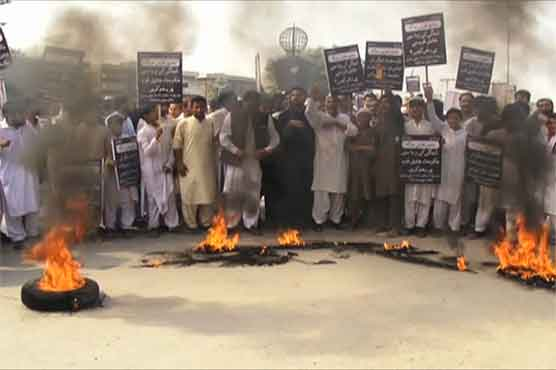 Peshawar: Public protests as one more falls prey to dengue, toll reaches 34