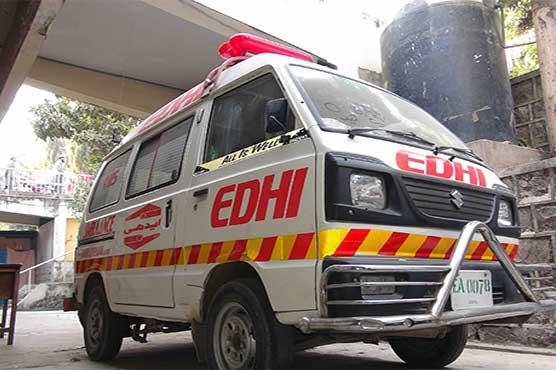 Five killed, 37 injured in separate road mishaps in Karachi, Multan