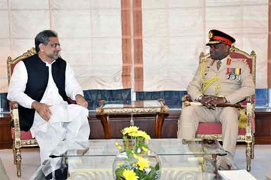 Lankan army commander meets COAS, PM