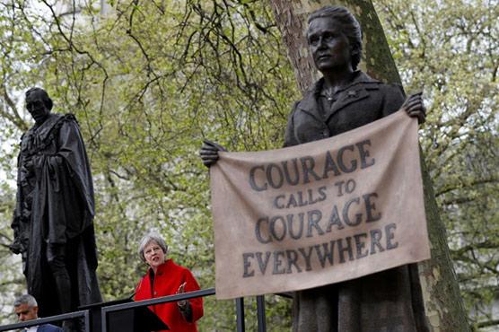 Women's vote campaigner statue unveiled in London