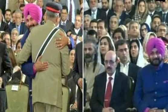 Indian media censuring Sidhu for meeting COAS Qamar Javed Bajwa