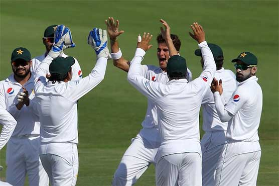Pakistan fight back after early wickets