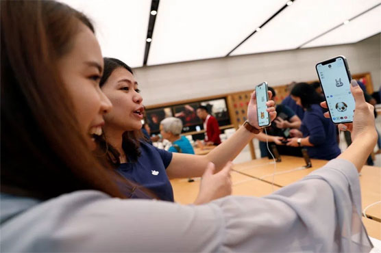 Samsung shares take a hit as iPhone X sales slump