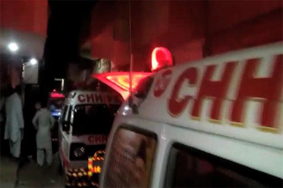 Five injured as motorcycle falls into nullah in Karachi