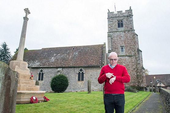 English vicar slaps 100 British Pounds fine on brides running late