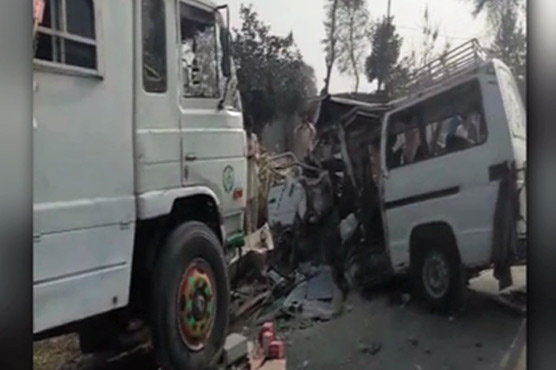 Eight dead, 15 injured in Burewala accident