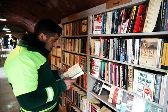 Trashy literature? No such thing for Turkish refuse collectors