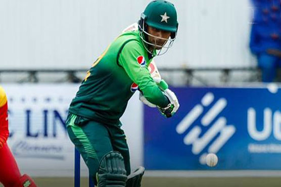 Pakistan stroll to easy win over Zimbabwe in fourth ODI