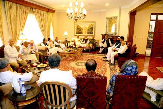 Opposition parties convince Fazl-led MMA to enter parliament