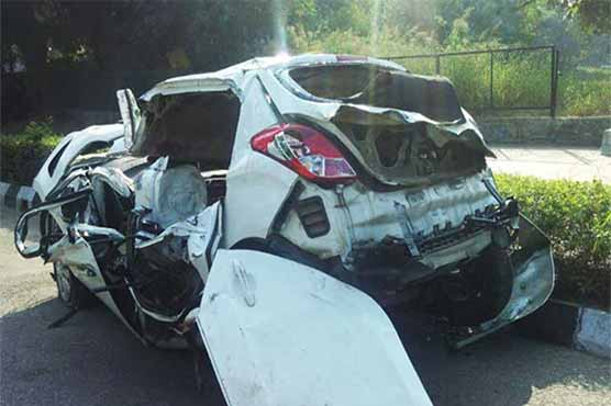 Three killed, one injured in truck-car collision near Mailsi
