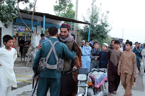 Taliban, Afghan forces hug, take selfies as ceasefire holds