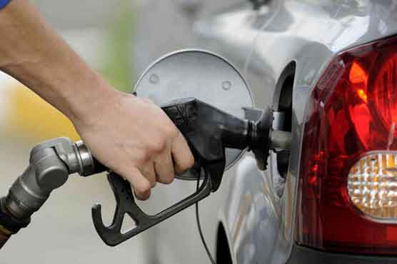 OGRA proposes Rs5.40 hike in petrol price
