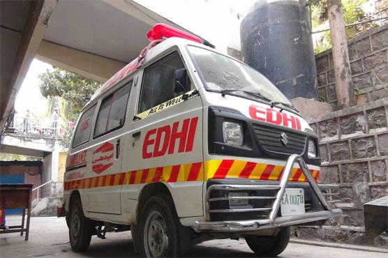 Six killed, 12 injured in passenger coach-car collision in Lasbela