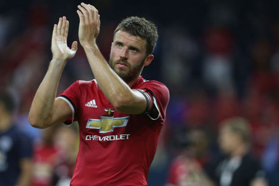 Manchester United's Michael Carrick confirms retirement after 2017/18 season