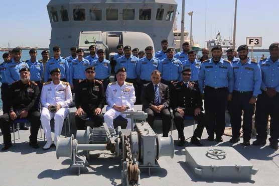 Naval Chief Admiral Abbasi visits Kuwait