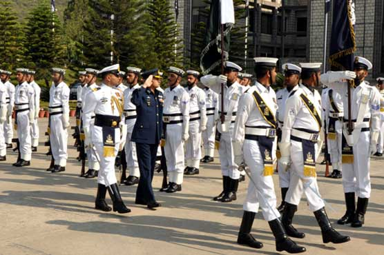 Newly-appointed air chief makes first visit to Naval Headquarters