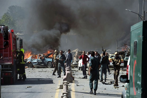 Suicide bombers, gunmen attack Kabul police stations