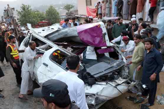 Abbotabad: 10 die as truck rams into passenger van