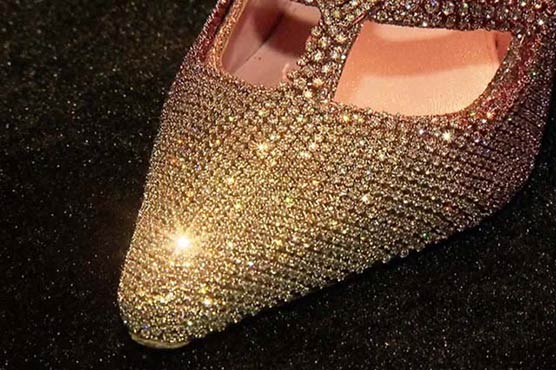 Shoes worth $ 4.3 million presented at CIIE