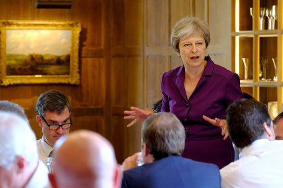 UK cabinet discusses Brexit as May presses for quick deal