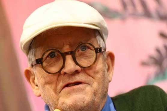 Hockney painting smashes record price for living artist