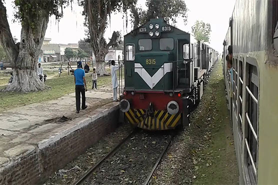 Three youngsters crushed to death by Hazara Express