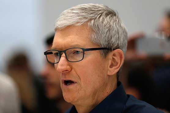 Apple CEO urges Bloomberg to retract China spy chip story