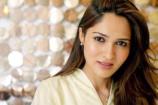 Ny Fashion Week 2018 Pakistani Designer Sania Maskatiya Showcases Her Collection Entertainment Dunya News