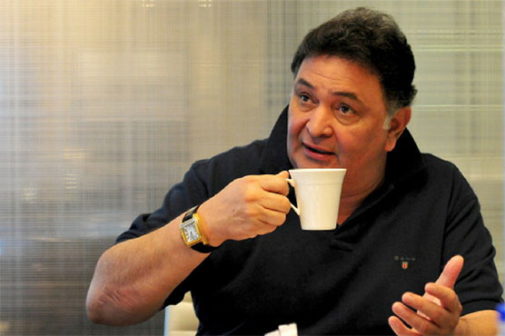 Rishi Kapoor goes to America for treatment, requests not to speculate