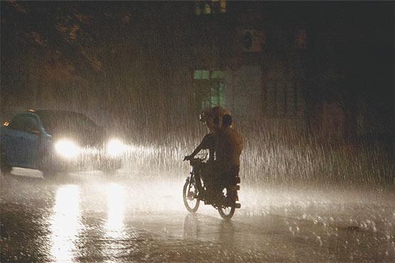 Heavy monsoon rain lashes Lahore again
