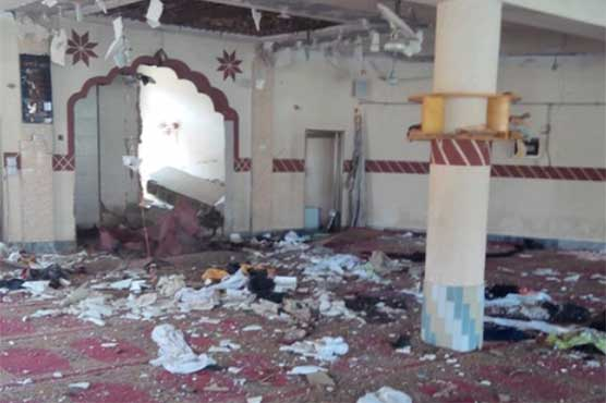 4 killed, 20 injured in blast at seminary in Pakistan