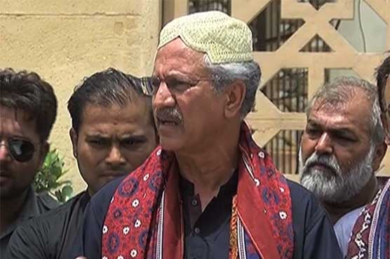 Annoyed Waseem Akhtar threatens to end alliance with PTI after Vawda's statement