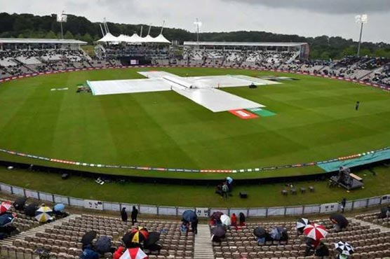 Rain delays start of day three in Colombo Test