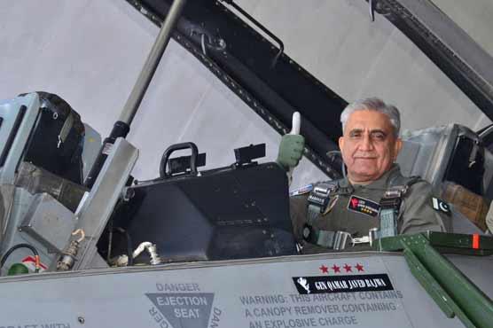 COAS Gen Bajwa visits PAF Base Mushaf, flies in F-16