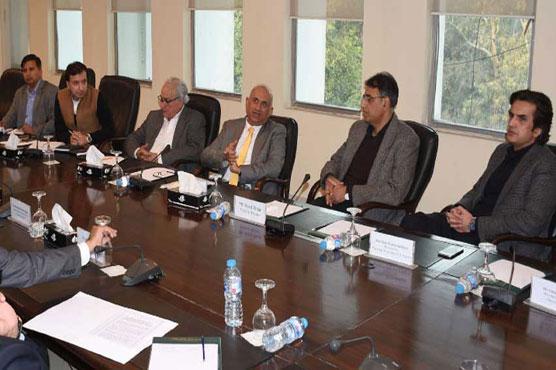 Finance Minister reviews progress on economic zones