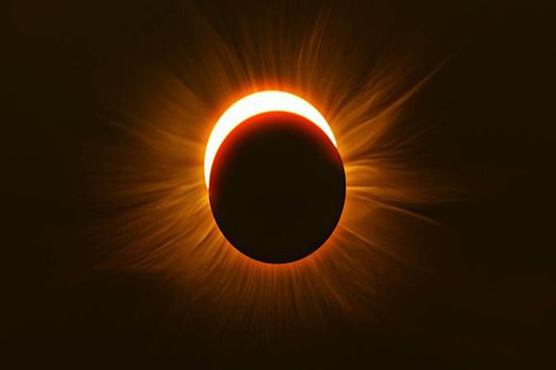Solar eclipse occurs when the moon passes between the Earth and the Sun