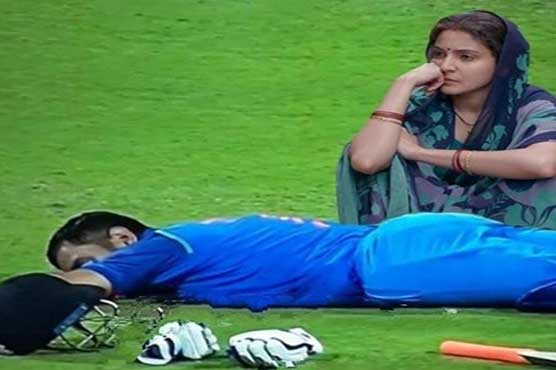Twitteratis share Anushka Sharma's memes after India's defeat