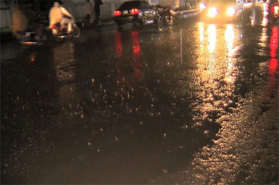 Rain turns weather pleasant in various cities including Lahore