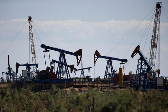 Oil climbs on Iran tensions, stocks edge back from seven-week highs