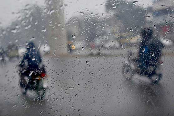 Rain break heat spell in Lahore, leaves several areas without power