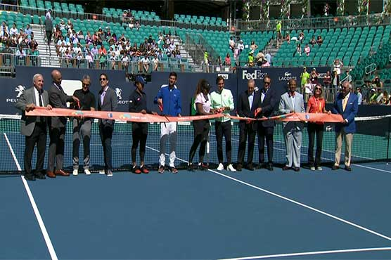 483437 52098792 - فلوریڈا میں سٹارز ٹینس پلیئرز نے انٹرنیشنل ٹینس کورٹ کا افتتاح کر