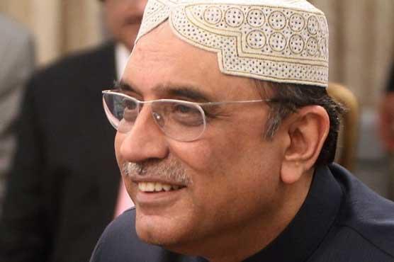 Asif Zardari felicitates Nawaz on his bail