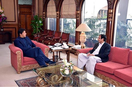 PM Imran meets Pervaiz Elahi, seeks stronger PTI-PML-Q coordination