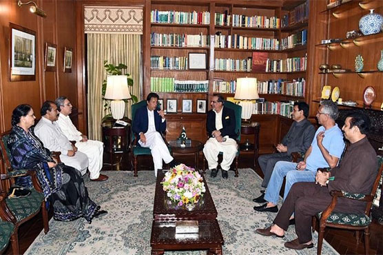 PM Imran assures allied parties of removing all reservations