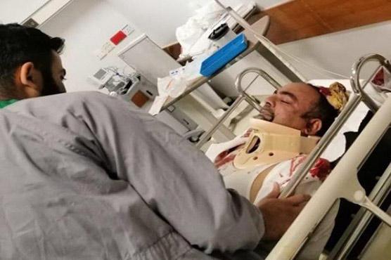 Khawaja Izharul Hasan sustains critical injuries in accident near Karachi's Toll Plaza