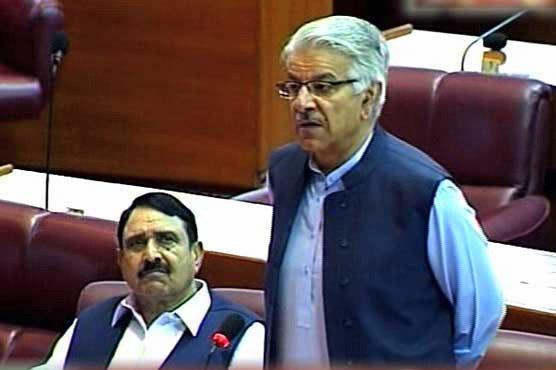 Khawaja Asif accuses govt of blackmailing NAB chief