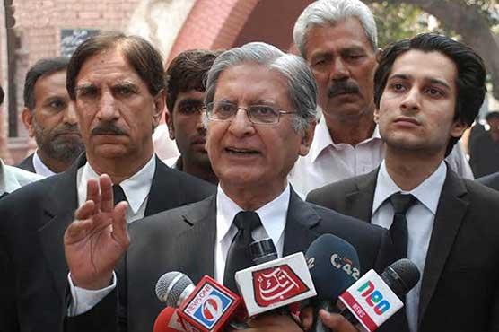 Fazl's threat of arresting PM through mob unconstitutional: Aitzaz