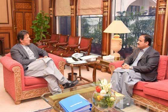 Punjab CM calls on PM Imran, discusses various issues