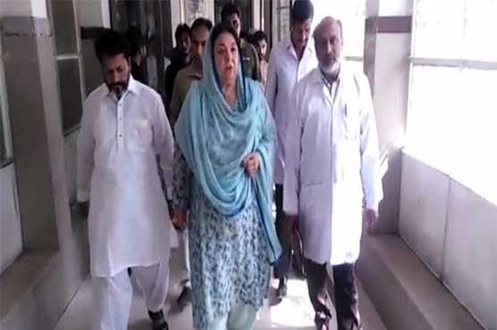 Yasmeen Rashid pays surprise visit to DHQ Hospital in Kasur